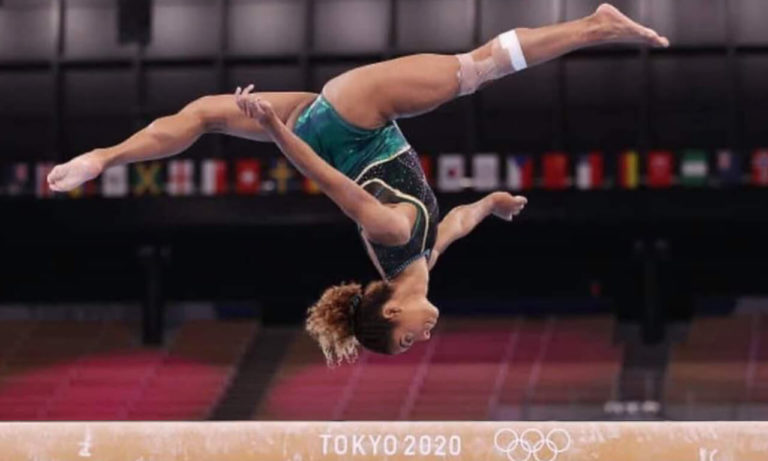 Tokyo Olympics 2020: Gymnast Danusia Francis Bravely Competes Bars Despite Excruciating Knee Injury in Less Than 10 Seconds!